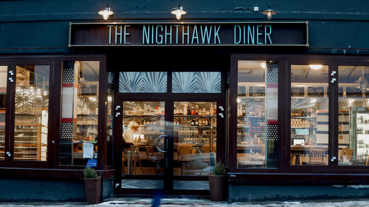 «Løkka»: The diner's original location is distinctive for its resemblance to Edward Hopper's famous painting «Nighthawks».
